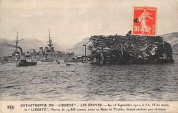 Toulon          83        Catastrophe Du Liberté  Les épaves   (voir Scan) - Toulon