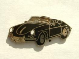 Pin's PORSCHE 356 CABRIOLET NOIRE - Porsche