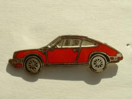 Pin's PORSCHE 911 ROUGE - Porsche