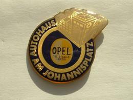 Pin's OPEL - AUTOHAUS AM JOHANNISPLATZ - LEIPZIG - Opel