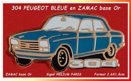 SUPER PIN'S PEUGEOT : La Très Belle 304 BLEUE En ZAMAC Base Or Venue Du MUSEE PEUGEOT Sochaux Signé HELIUM Paris 2,6X1,8 - Unclassified