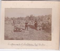 Photo Environ  Mayenne Les Officiers Lieutenant Nortier Et Capitaine Barbere Fusil En Faisceaux Avec La Troupe Réf 5440 - War, Military