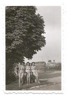 Photo Originale , Femmes Et Hommes En Maillot De Bain , Dim. 5.5 Cm X 8.5 Cm - Anonymous Persons