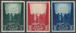 VATICANO 1945 - Opere Di Carità 3 Val. Nuovi**  (1066) - Ungebraucht