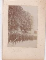 Photo Ville De Mayenne Militaires Troupe Du130 Régiment D'infanterie Devant Grand Hôtel  Réf 5447 - War, Military