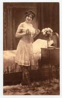 Photogravure. Femmes Style Art Déco. Lingerie Fine. Bas. érotique. Erotic.  ( Reproduction ) - Reproductions