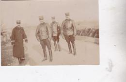 Photo Mayenne Groupe D'officiers De Divers Régiments Tous Nommés Au Verso Réf 5449 B - War, Military