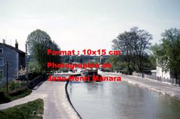 ReproductionPhotographie Ancienne D'une Péniche Sur Le Pont-canal à Briare En 1961 - Reproductions