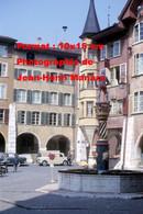 ReproductionPhotographie Ancienne D'une Fontaine Sur Une Place à Bienne En Suisse En 1965 - Reproductions