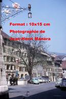 ReproductionPhotographie Ancienne D'une Vue D'une Fontaine Sur Une Place à Bienne En Suisse En 1965 - Reproductions