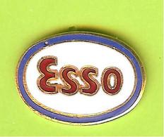 Pin's Carburants ESSO - 7W02 - Fuels
