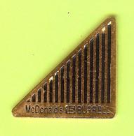 Pin's Mac Do McDonald's 15 Burrell - 7W07 - McDonald's