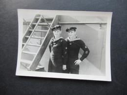 2. Weltkrieg WW2 Original Foto Soldaten Der Wehrmacht / Marine / Matrosen In Uniform - War, Military
