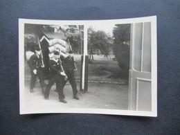 2. Weltkrieg WW2 Original Foto Soldaten Der Wehrmacht / Marine / Matrosen In Uniform / Wachablösung - War, Military