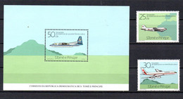 T1-17 Sao Tome Et Principe N° 826 + 827 + BF 45 ** A Saisir !!!  Avions - Sao Tome And Principe