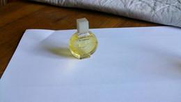 """Miniatures De Parfum  Cardin  """" Paradoxe   """"  Sans Boite  Bouteille  Pleine - Mignon Di Profumo Donna (senza Box)"""