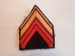 Militaria .Galon / Losange .bras  Avec Crochets - Patches