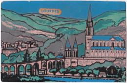 65. LOURDES. La Basilique En Feutrine - Lourdes
