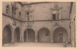 Brive - Hôtel De Labenche / Cour Intérieure - Brive La Gaillarde