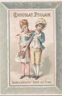 CHROMO  CHOCOLAT POULAIN JEUNE COUPLE MUSICIEN EN COSTUME - Poulain