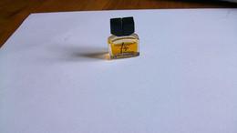 "Miniatures De Parfum  Laroche  ""  Fidji   ""    Parfum  Sans Boite  Bouteille  Pleine - Mignon Di Profumo Donna (senza Box)"