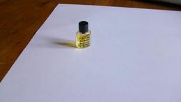 "Miniatures De Parfum Balenciaga   "" Feeling Moment  "" Parfum  Sans Boite  Bouteille Pleine - Mignon Di Profumo (senza Box)"