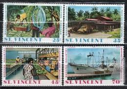 St. Vincent 1975 Mi 402-405 Banana Industry - MNH - St.Vincent (1979-...)