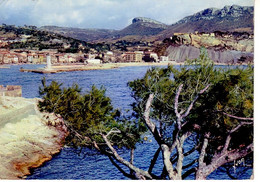 Cassis L'entrée Du Port Vue Sur La Route Des Calanques ; Avant 1959 - Cassis