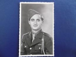 MILITARIA - Carte Photo D'un Militaire  - Fait A BEURIZOT  ( 21 )  1945 - Characters
