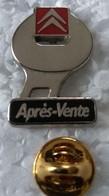 Pin's - Automobiles - CITROEN - Après-Vente (argenté Sur Noir) - Signé A.M.C 93 - - Citroën