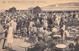CAFE - RESTAURANT - 14 - DEAUVILLE - PLAGE FLEURIE : La Terrasse Très Animée Du BAR DU SOLEIL - Jolie CPA - Calvados - Deauville