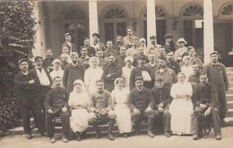 (186)  CPA  Photo  Royan Infirmières Et Soldats      (Bon état) - Royan