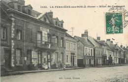 """CPA FRANCE 27 """"La Ferrière Sur Risle, Hotel Du Croissant"""" - Altri Comuni"""