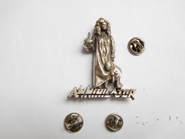 Superbe Big Pin's Pins En Relief  , Musique , Annihilator ,  Groupe Canadien De Thrash Metal ; Ottawa , Jeff Waters - Music