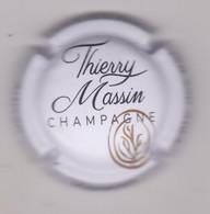 Capsule Champagne MASSIN Thierry { NR : Blanc  Noir Et Or } {S20-21} - Unclassified