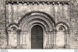 D33  CERONS  Le Porche De L' Eglise  ...... - Autres Communes