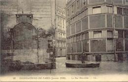 CPA - INONDATIONS DE PARIS - RUE MASSILLON - Paris Flood, 1910