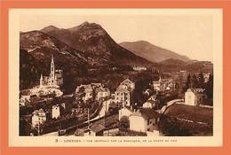 A441 / 243 65 - LOURDES Vue Générale Sur La Basilique De La Route De Pau - Zonder Classificatie