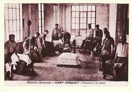 X12049 ♥️  MILLAU Aveyron GANT JONQUET Palisson à La Main Atelier Ouvrier Peau Veaux Industrie Ganterie Cpa 1930s - Millau