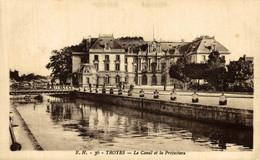 Troyes  Le Canal Et La Préfecture  10Aube France Frankrijk Francia - Troyes