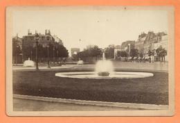 PHOTO EXPOSITION UNIVERSELLE DE 1878 - PARIS ROND POINT DES CHAMPS ÉLYSÉES - FONTAINE ARC DE TRIOMPHE - Anciennes (Av. 1900)