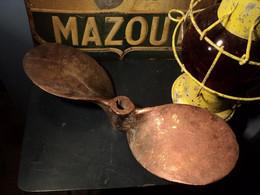 Ancienne Hélice De Bateau Deux Pales Bronze. Déco Marine, Pêche, Moteur. - Barche
