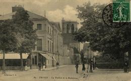 Troyes Le Théâtre Et La Madeleine  10Aube France Frankrijk Francia - Troyes
