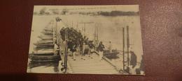 Ancienne Carte Postale  - Avignon - Pont Construit Sur Le Rhône - Passage De La Musique - Avignon