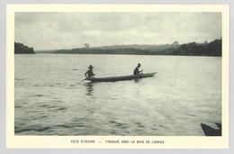 Côte D'Ivoire, Pirogue Dans La Baie De Cosrou (7072) - Côte-d'Ivoire