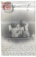 Enfants Nus Assis De Dos Regardant Un Album De Cartes Postales Séries 1064 N° 4 - Portraits