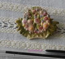 Broche En Plâtre Représentant 1 Bouquet - Brooches