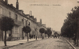 39 CHAMPAGNOLE   CPA    Grande Rue - Champagnole