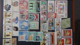 S200 Collection De Timbres Et Blocs ** De Différents Pays. A Saisir !!! - Sammlungen (im Alben)