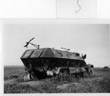 GUERRE 1939-1945:  Photo D'origine 9x6 Cm, AUTOMITRAILLEUSE De La Werhmatch,à St HILAIRE Le Grand,en 1940 - Guerre 1939-45